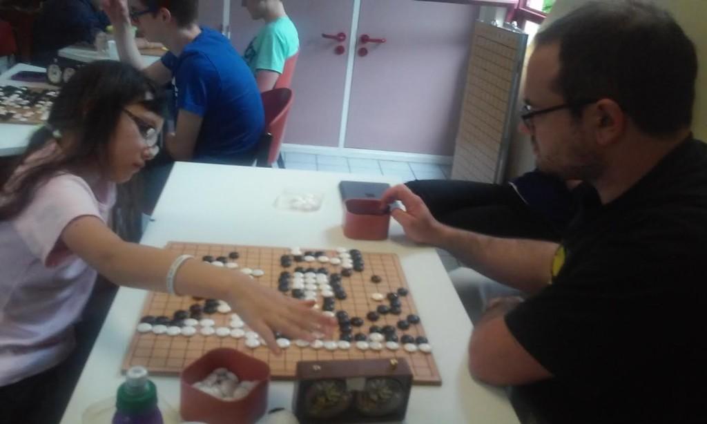 Mei la benjamine du tournoi lors de la 4è ronde.